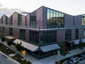微软出资4000万美元的全球创新学院在西雅图正式落成